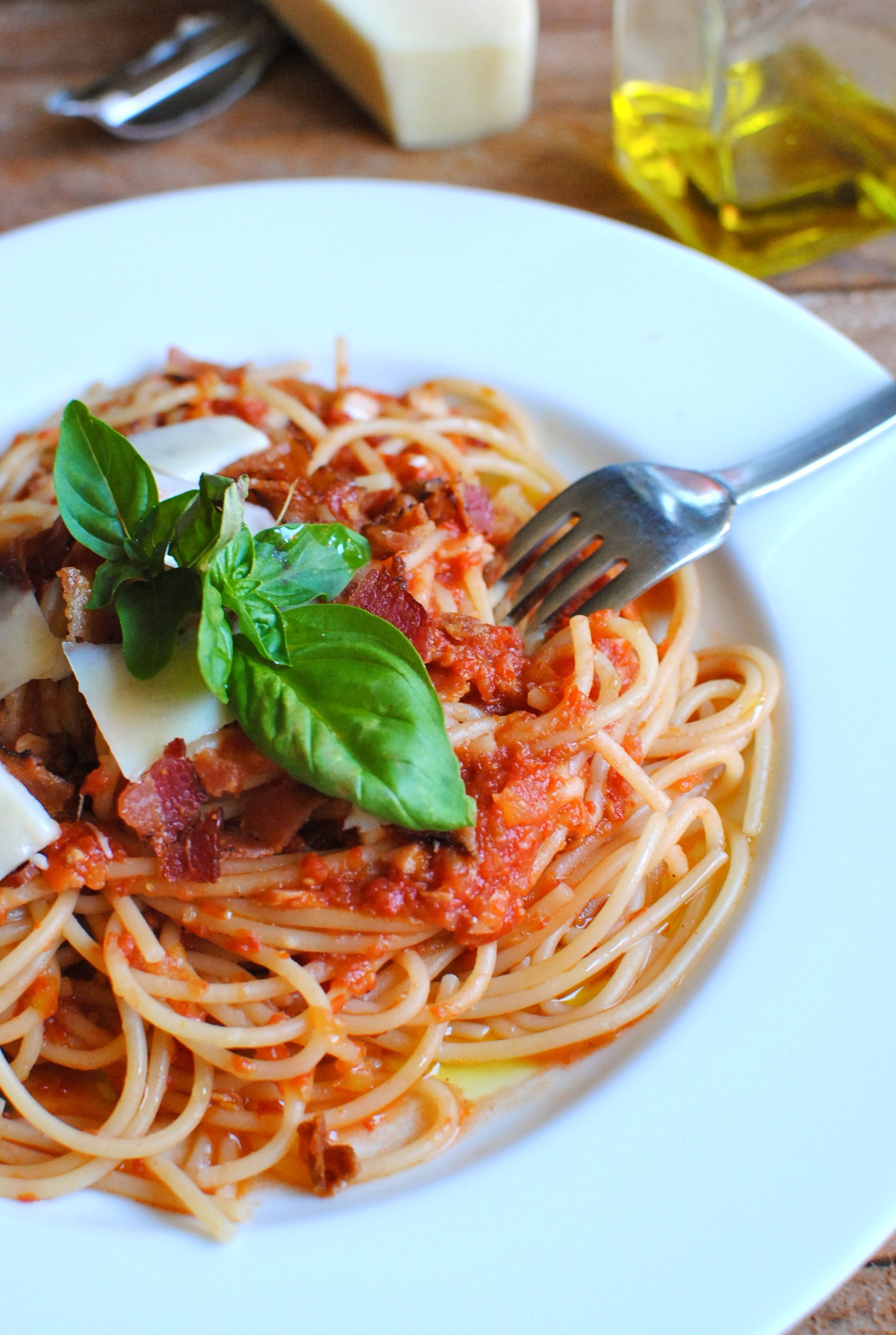 Quick Spaghetti with a Fresh Tomato Sauce - Bev Cooks