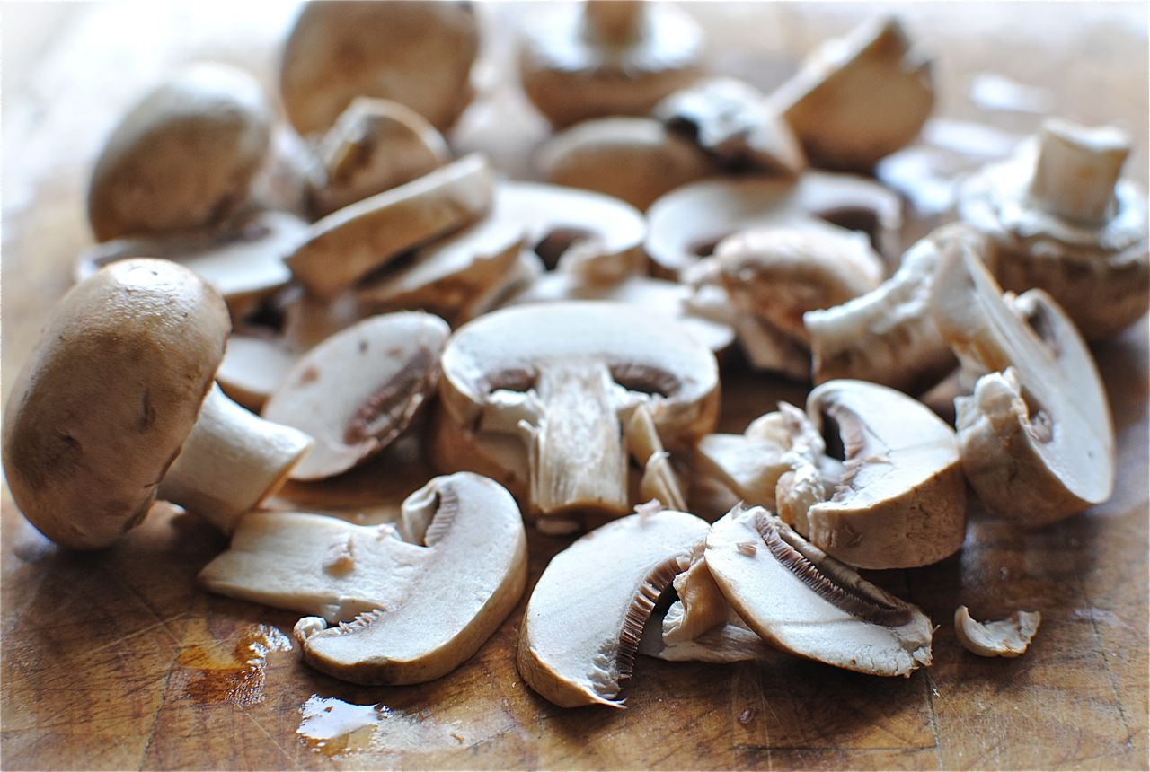 portobello mushrooms cauliflower crust hawaiian pizza thin crust pizza ...