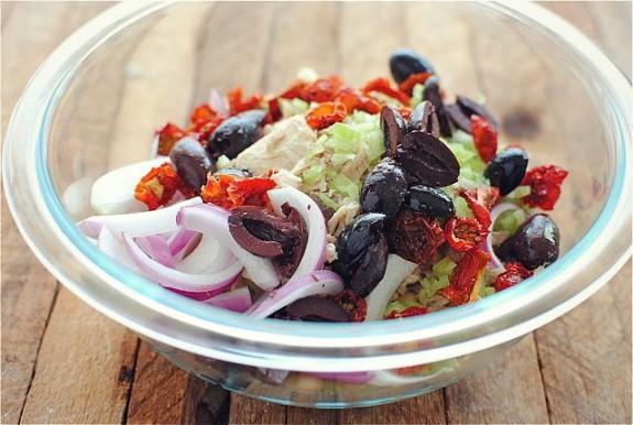 Tuscan Tuna and White Bean Salad / Bev Cooks