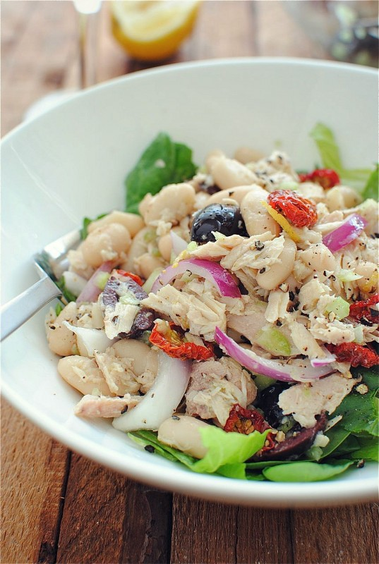 Tuscan Tuna and White Bean Salad / Bev Cooks
