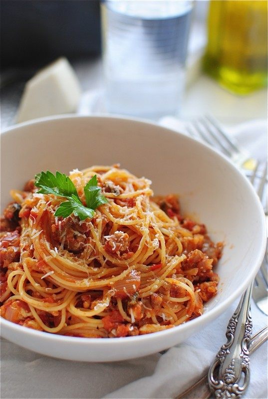 how to make spaghetti sauce with canned diced tomatoes