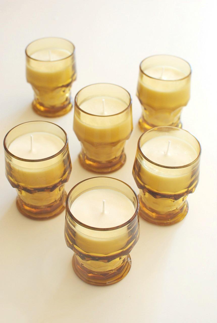 Lavender essential oil candle