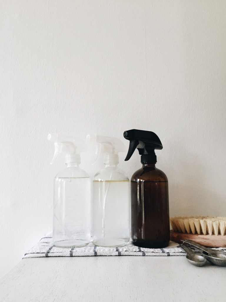 DIY: Spray Cleaners and Room Spray Using Essential Oils / Bev Cooks