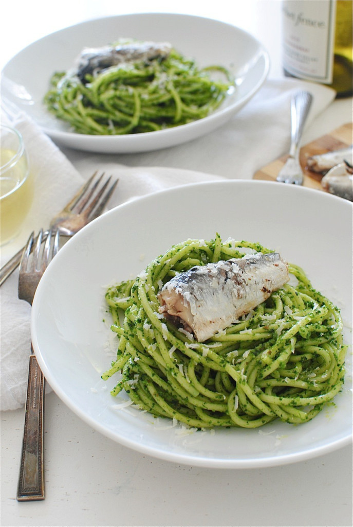 Bucatini Pasta with Kale Pesto and Sardines / Bev Cooks