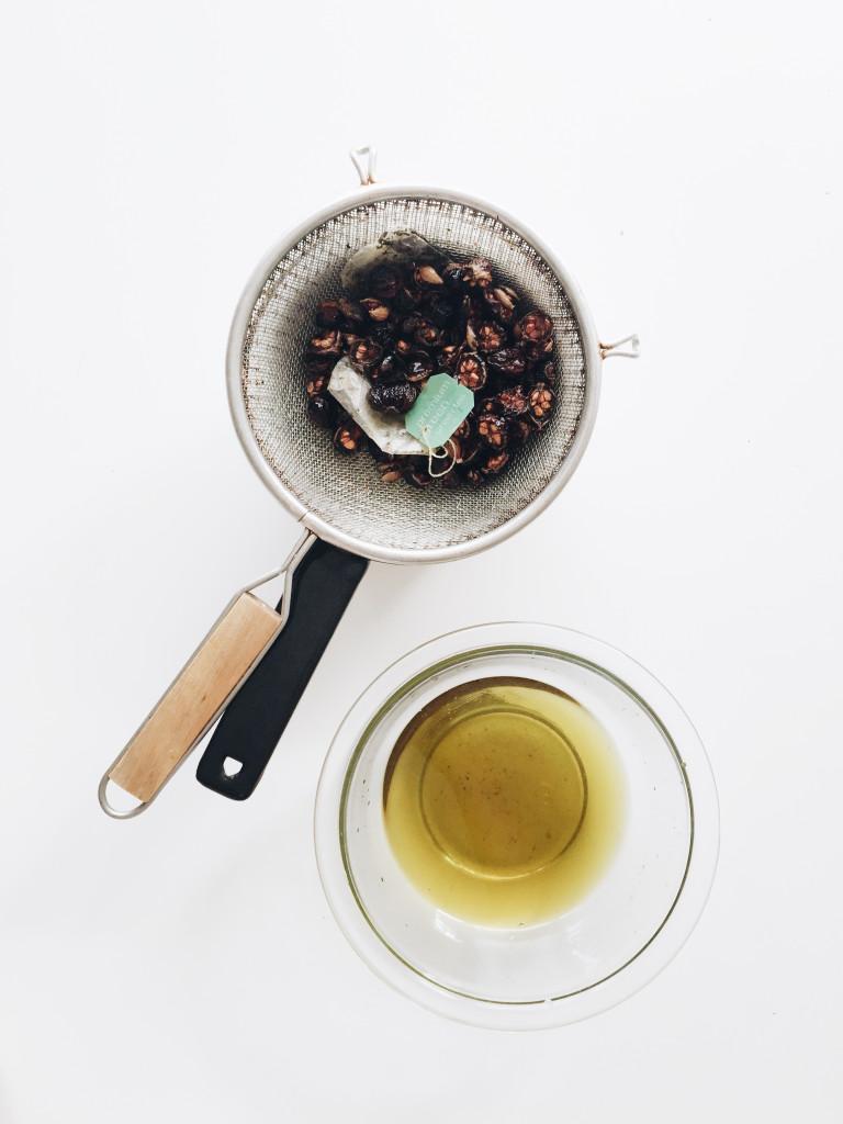 DIY: Tea Rose Perfume Oil / Bev Cooks