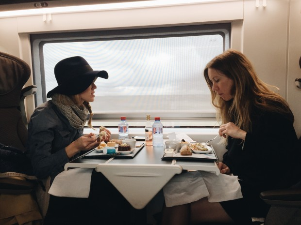 The Girl on the (Eurostar) Train / Bev Cooks