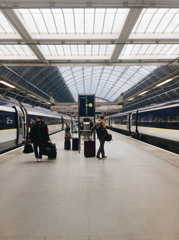 The Girl on the (Eurostar) Train / Bev Cooks