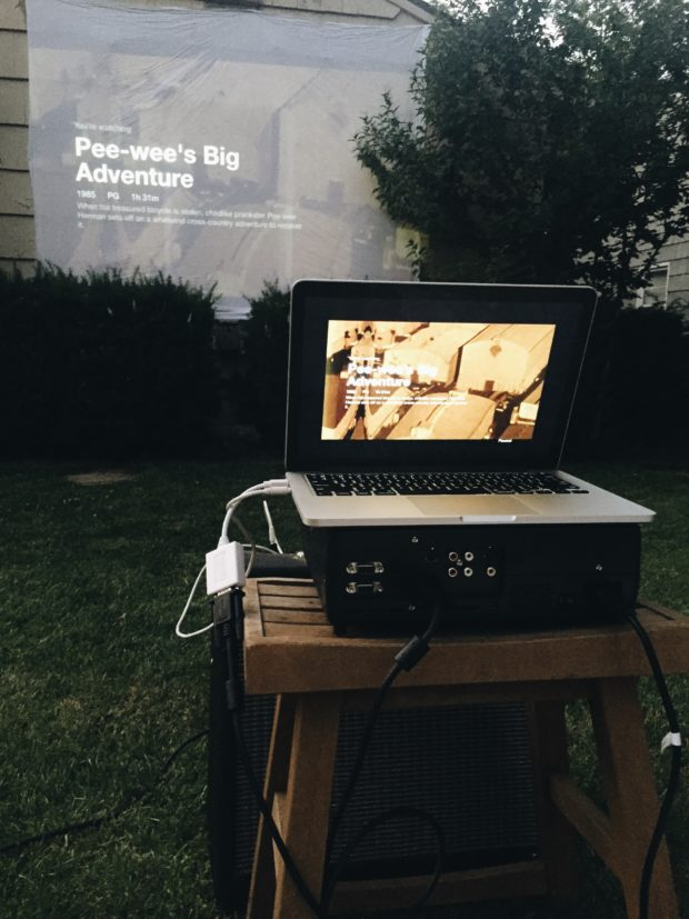 How to Host a Backyard Movie Night / Bev Cooks