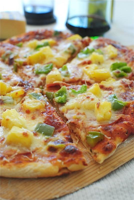 Hawaiian Pizza / Bev Cooks