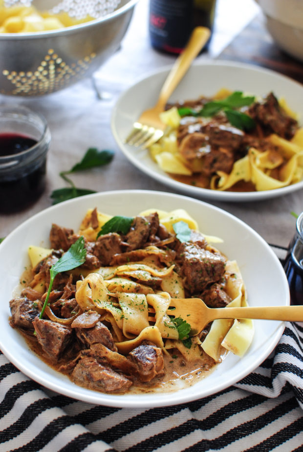 Slow Cooker Beef Stroganoff / Bev Cooks