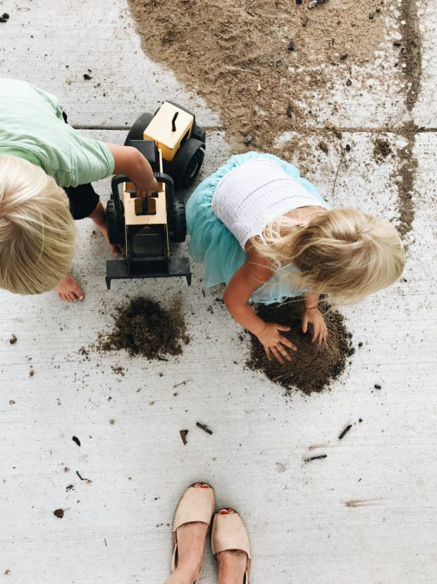 kids and dirt and feet