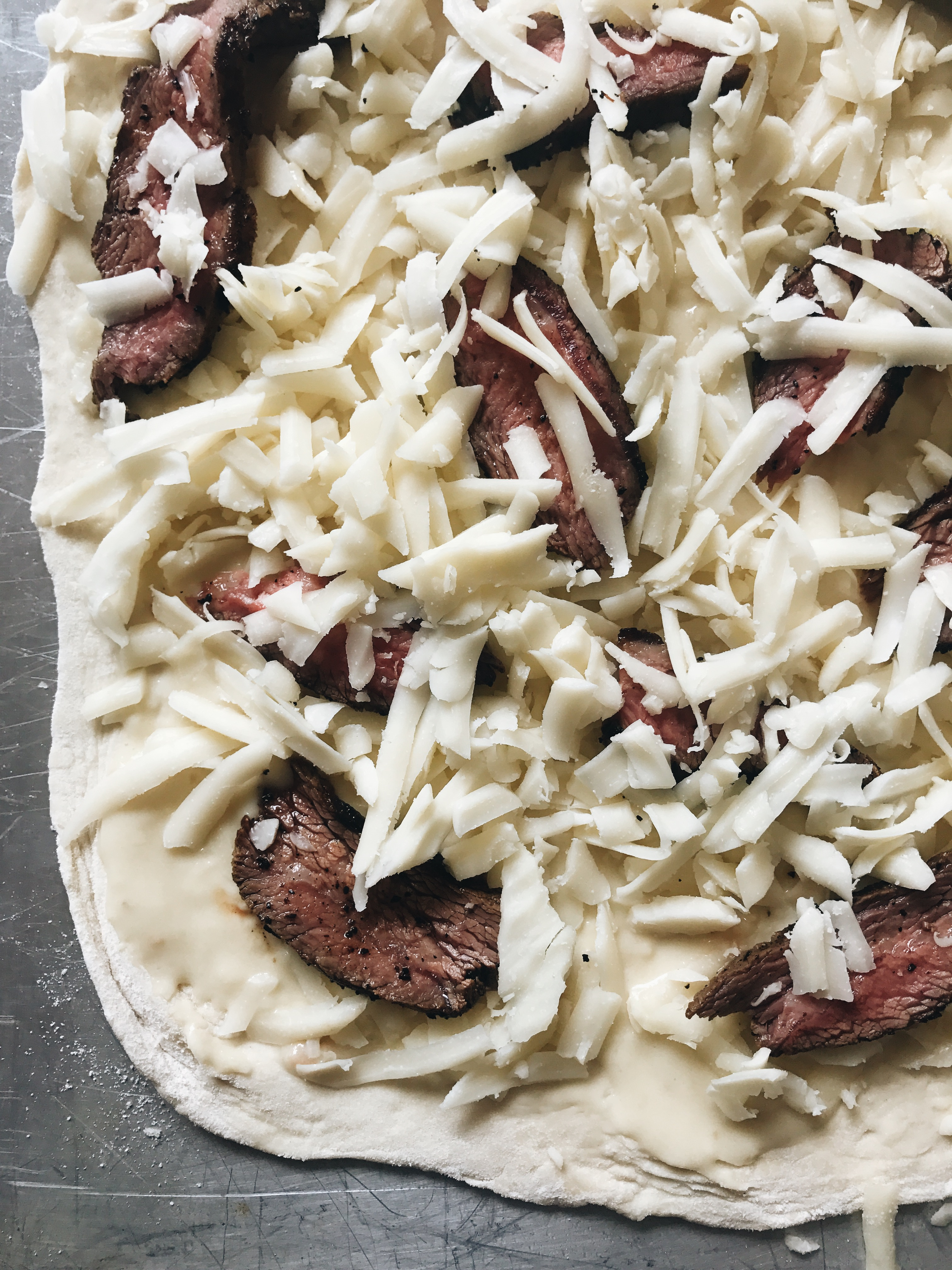 Steak Taco Pizza / Bev Cooks