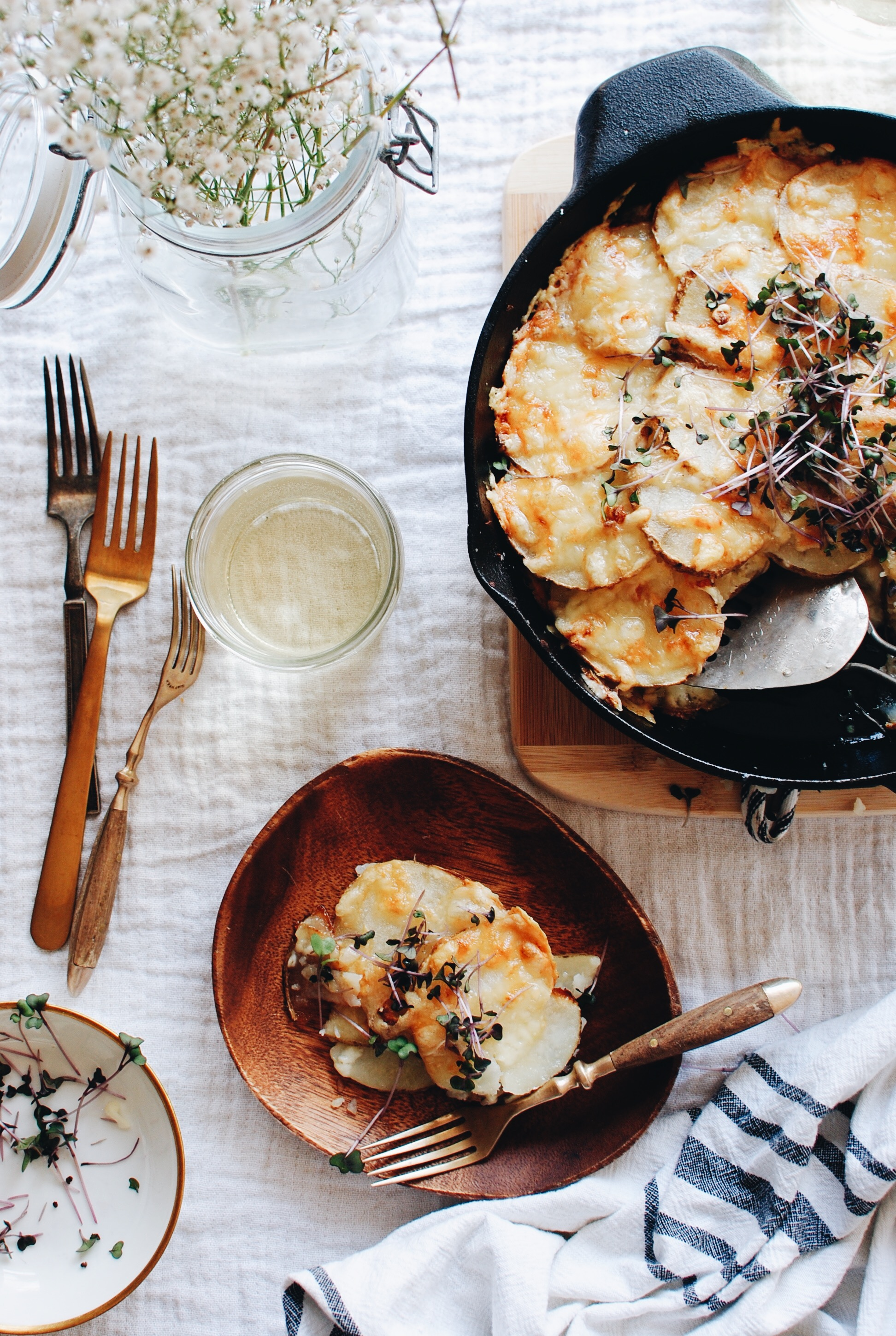 Cheesy Skillet Potatoes / Bev Cooks