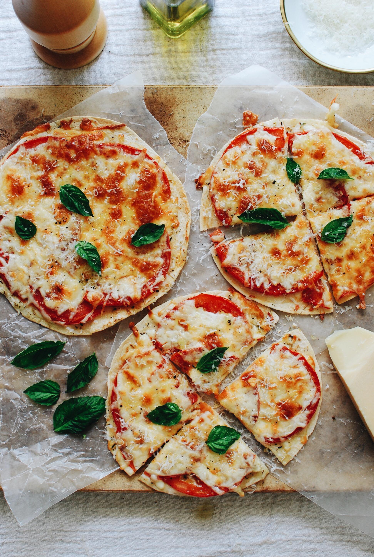 Caprese Tortilla Pizza Snacks / Bev Cooks