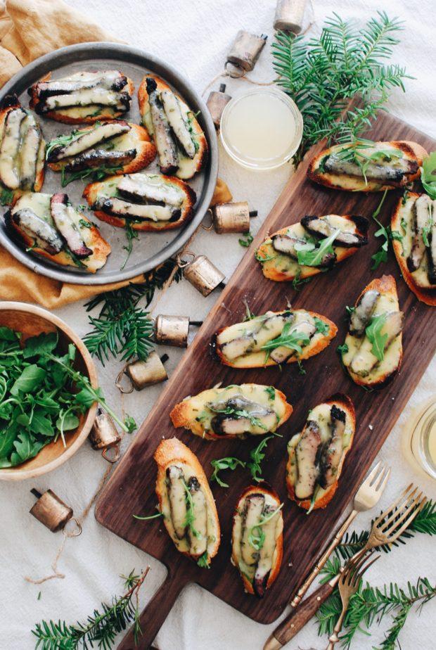 Steak and Horseradish Havarti Crostini / Bev Cooks