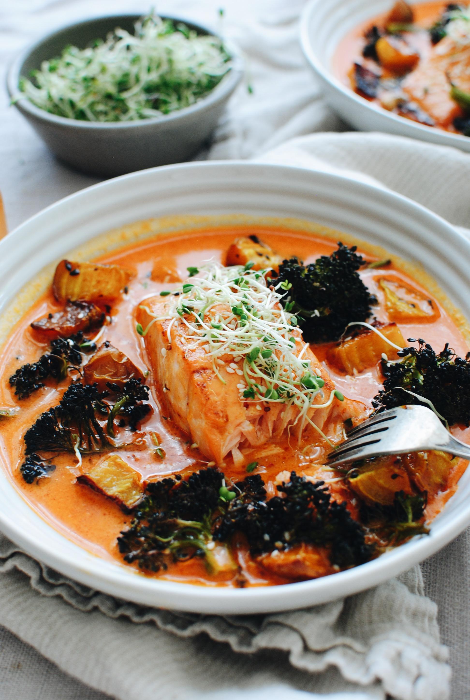 Thai Salmon and Broccoli Bowls / Bev Cooks