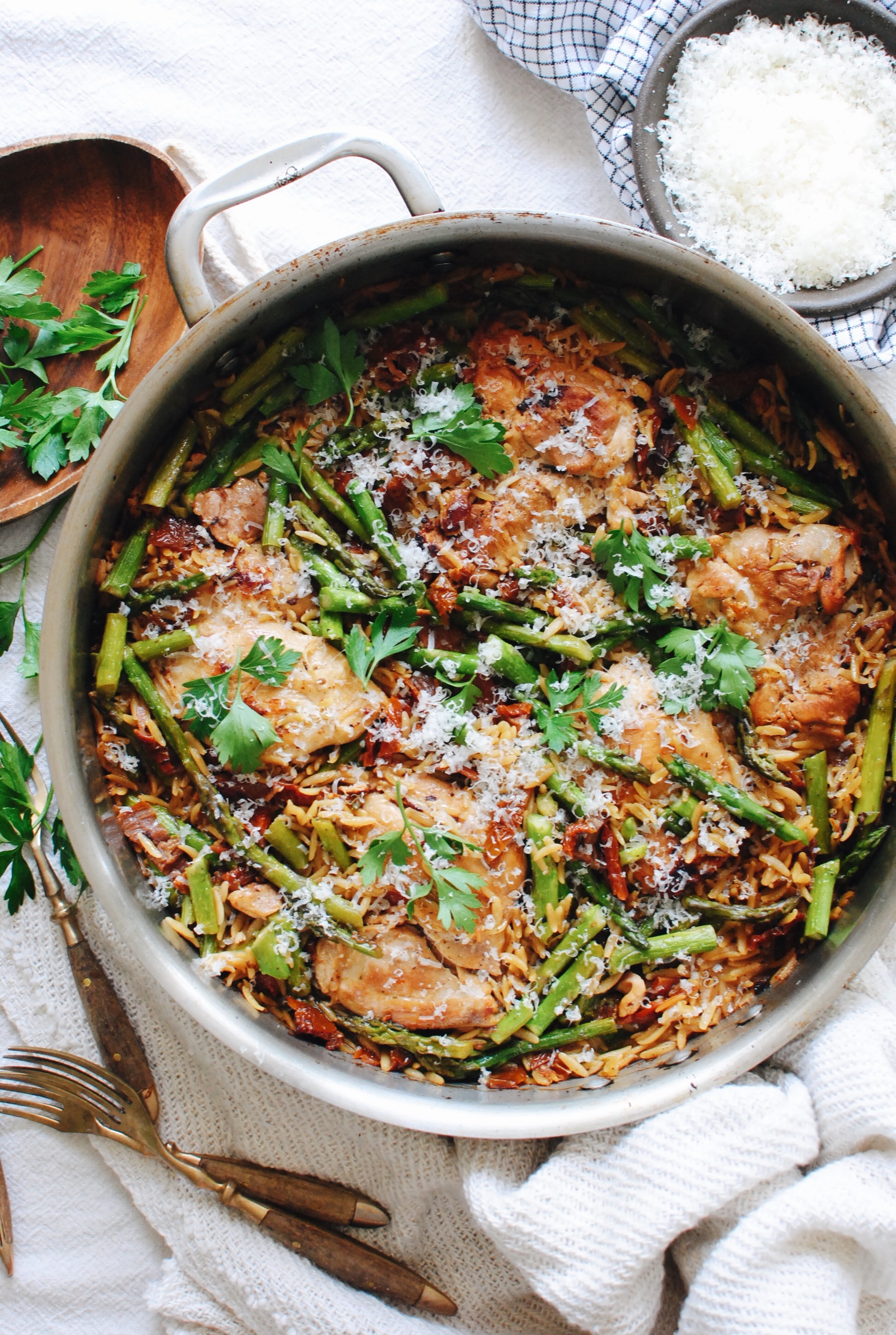 One-Pan Orzo with Chicken, Asparagus and Sundried Tomatoes / Bev Cooks