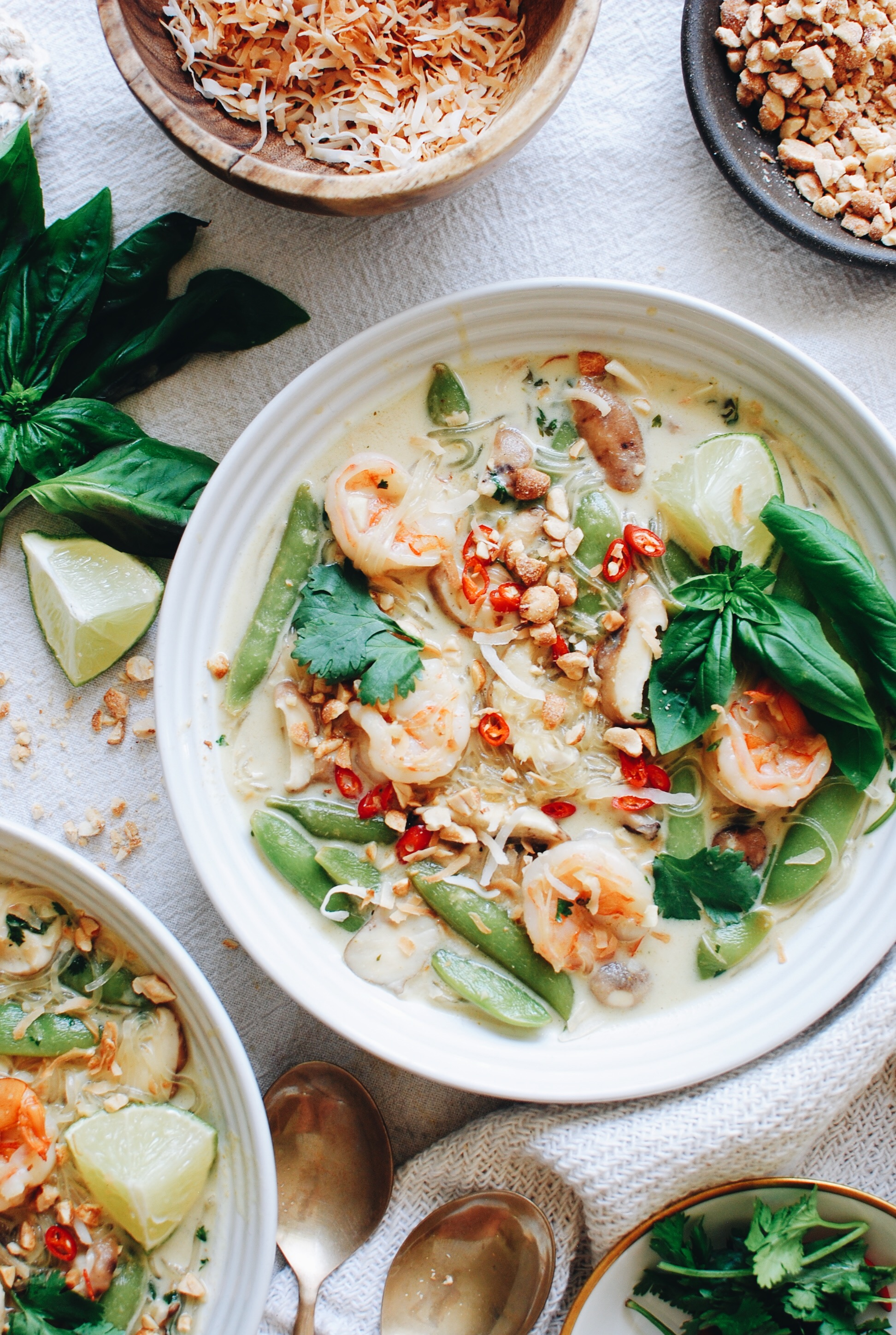 Green Curry Soup with Shrimp, Mushrooms and Snap Peas / Bev Cooks