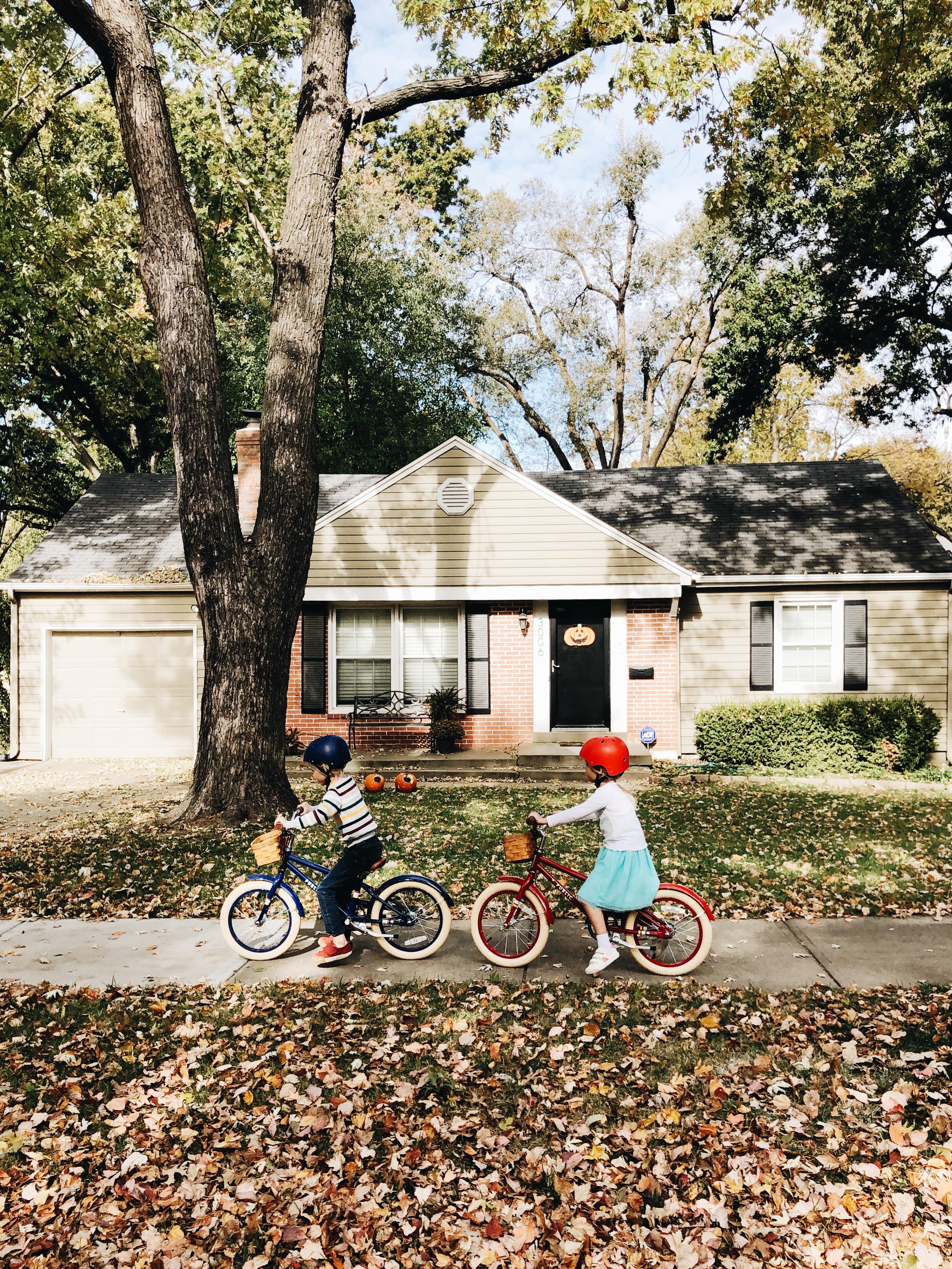 kids on bikes / bev cooks