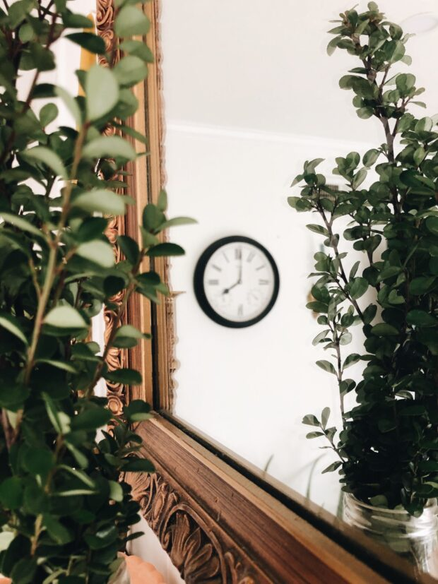 clock in mirror / bev cooks